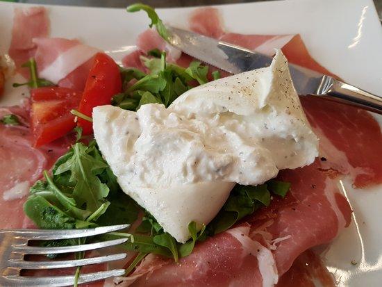 Il Terrazzino: Mixed italian meats with Truffle Mozzarella