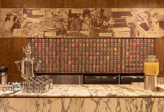 Hilton Glasgow : Tea lounge by Dilmah