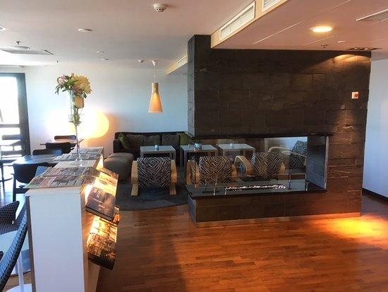 Hilton Helsinki Airport: Executive lounge