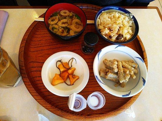 Rokkatei Maruyama: 十勝強飯定食