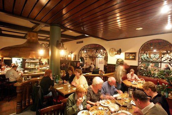 Härke Brauerei Ausschank : Blick zur Theke