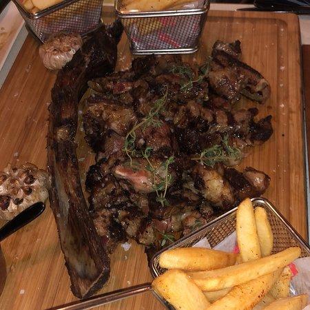 Bus Grill Turkish Steakhouse ภาพถ่าย