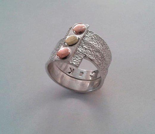 Sanur Jewellery Studio: copper and brass sandpaper textured ring - half day class