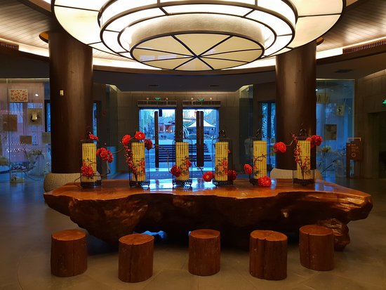 InterContinental Lijiang Ancient Town Resort: lobby area at the lower floors