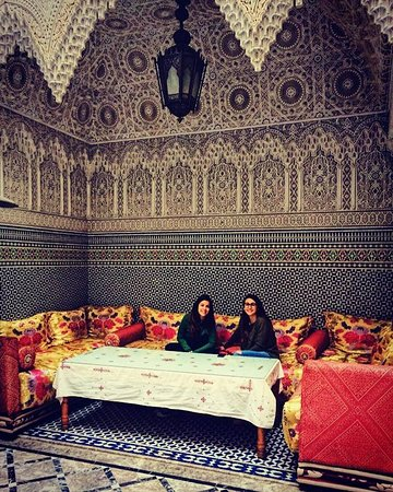 BE in Morocco Travel: Nuestro riad en Fez