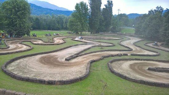 ורבניה, איטליה: Circuito immerso nel verde della Riserva del Toce per Twizy e baby quad. 