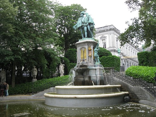 Egmont and Hornes Fountain