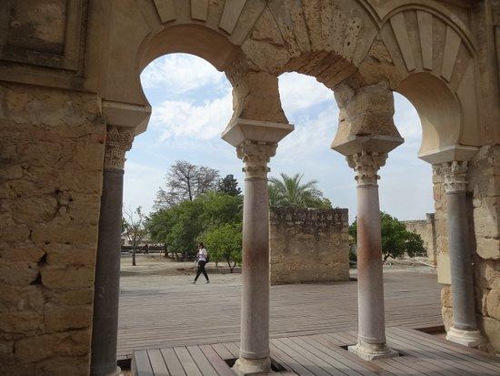 马迪亚铝-萨拉古城照片