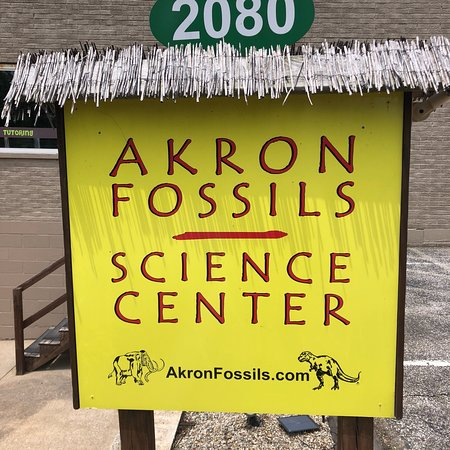 ‪Akron Fossils & Science Center‬