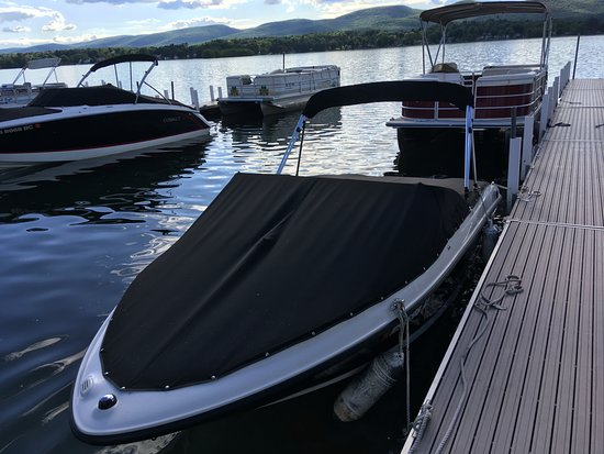 U Drive Rent - A - Boat张图片