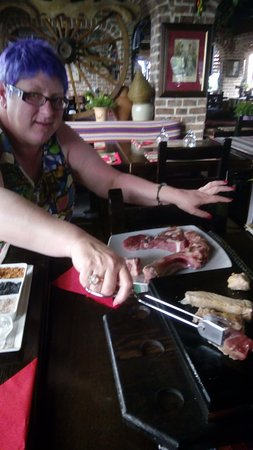 Steakhouse El Rancho : Birthday T Bone on hot stone