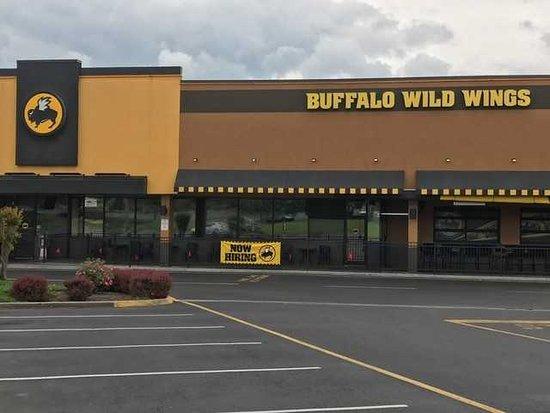 Buffalo Wild Wings Roanoke, Tanglewood Mall