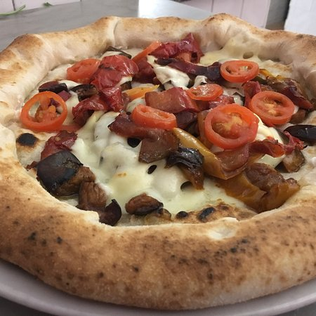 Napule e'... Pizzeria Napoletana: Napulè leverano via della consolazione 53