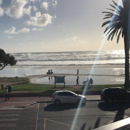 Camp's Bay Beach張圖片