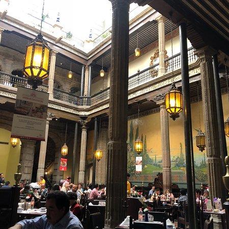 Sanborns de los azulejos mexico city centro hist rico for Restaurant los azulejos df