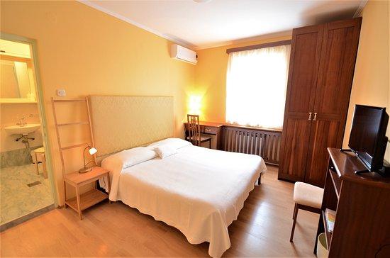 Villa Katarina : room Yellow Dream