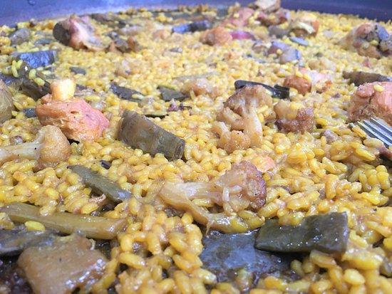 Dolores, Spain: Arroz al sarmiento de pollos y verduras.