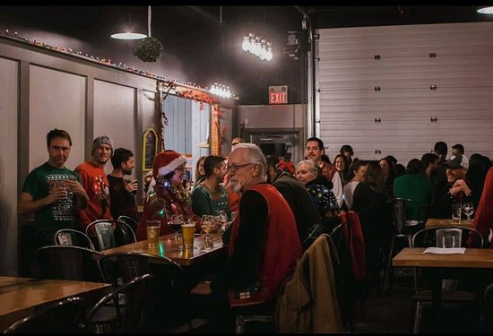 Lawrencetown, Canadá: Christmas Ugly Sweater Party