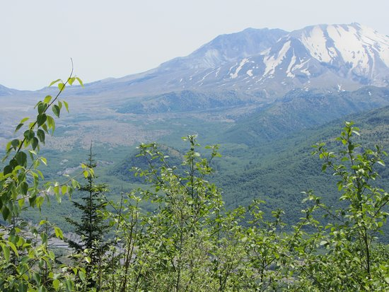 Mount St. Helens from overlook on road to Johnston Ridge Observatory