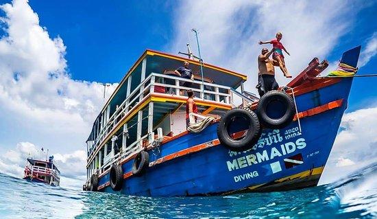 หาดจอมเทียน, ไทย: mermaids boats