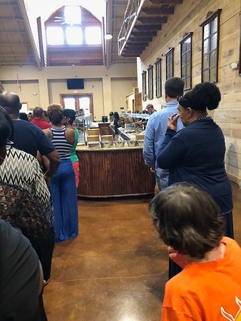 Brandon, MS: waiting in the buffet line