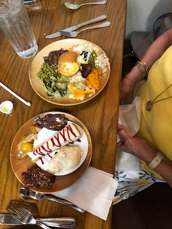 Brandon, MS: our desserts and my wife's meal