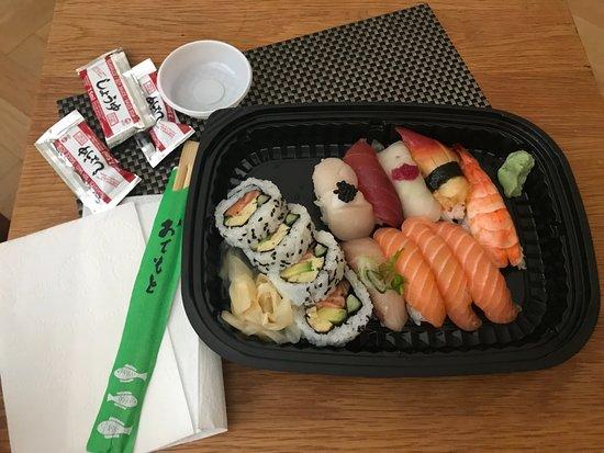 13-bitars sushi - hämtad - Picture of Roppongi cd90e1fe902e8
