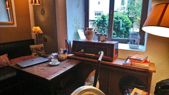 DSC_0733_large.jpg - Bild von Zimtzicke Café & Wohnzimmer, München ...