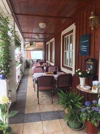 Chieming, Tyskland: Sitzplätze auf der Veranda