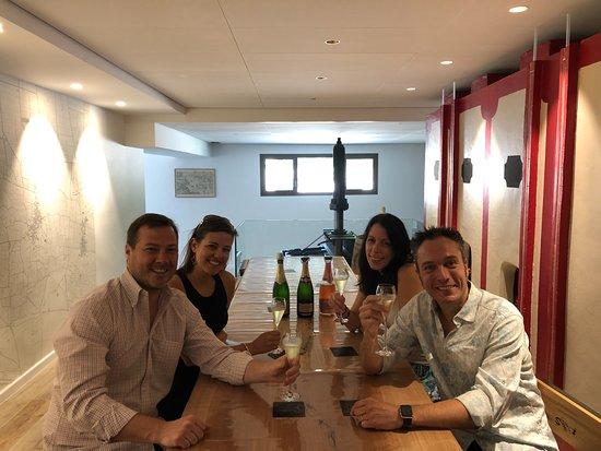 La Vigne du Roy Champagne Day Tours: Cheers!