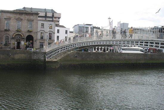 "Ha'penny Bridge: ""le pont"" de Dublin"