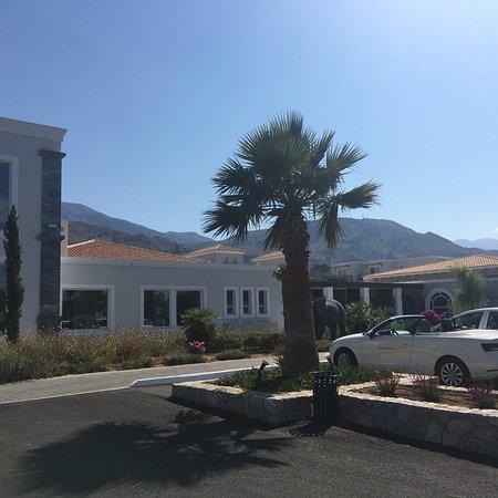 Anemos Luxury Grand Resort Photo