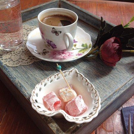 Çay-Tea's Lunchroom & Deco Home: Cay-Tea's Lunchroom & Deco Home