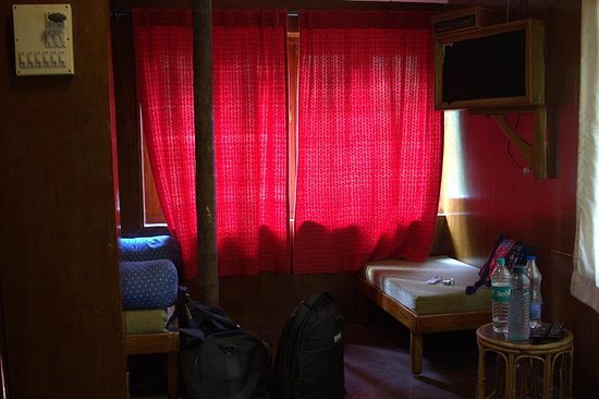 Devrukh, India: Inside the tree house