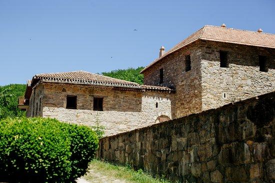 Surb Khach Monastery: Монастырь