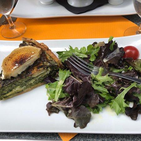 Restaurant le sevigne dans paris avec cuisine fran aise for Restaurant cuisine francaise paris
