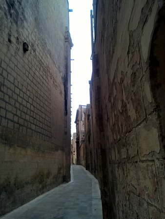 Mdina Main Gate - Baroque gateway: Mdina