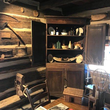 Historic Ogle Log Cabin : photo5.jpg