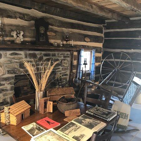 Historic Ogle Log Cabin : photo6.jpg