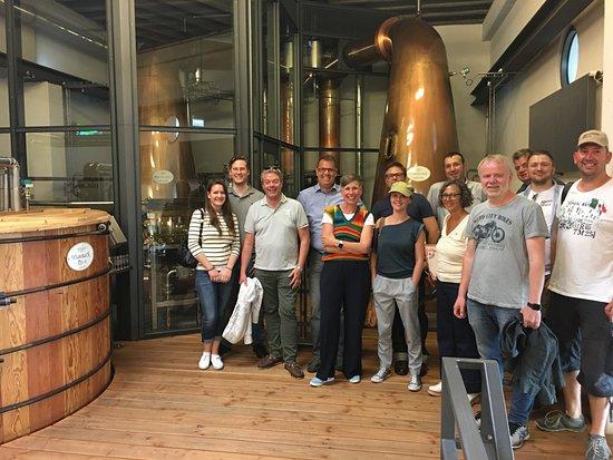 """St. Kilian Distillers: Das Herzstück: Die beiden Forsyth Brennblasen und der """"Spirit Safe"""""""