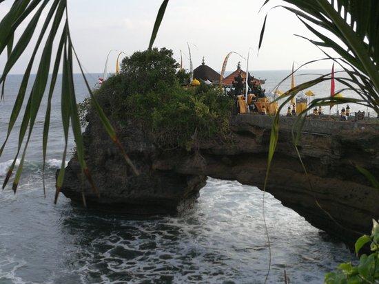 Tanah Lot, Indonesia: IMG_20180608_164014_large.jpg
