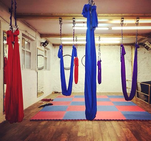 ‪Inverted: Circus & Pole Fitness‬