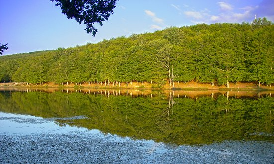 Alcara li Fusi, Italy: lago maulazzo