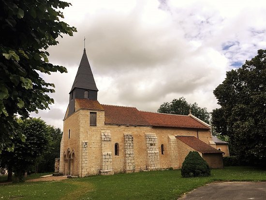 Eglise Saint-Hilaire de Salles-en-Toulon