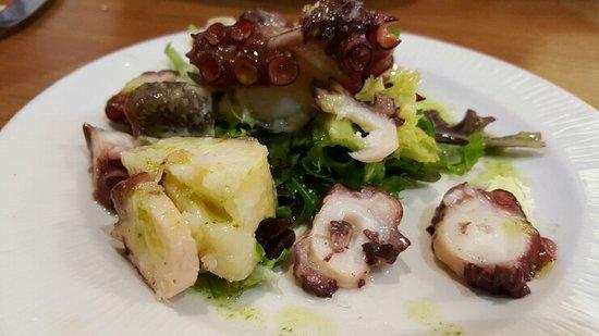 La Taperia De Columela : 문어 요리 맛있어요 +_+