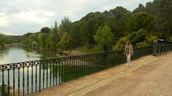 Almonacid de Zorita, Spain: Salto de Bolarque. Puente sobre el Tajo