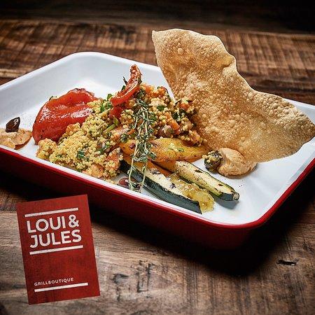 Cous Cous mit Chili Humus & Papadam