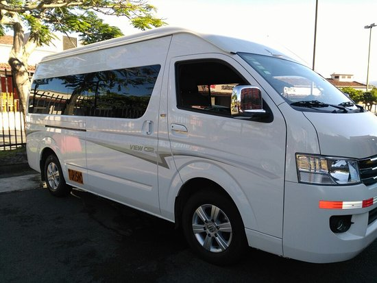 Tibas, Costa Rica: Another of our private vans for private transfers.