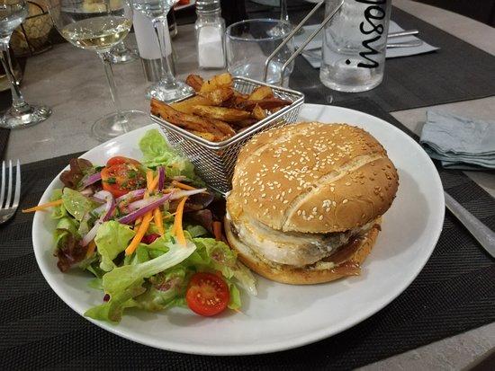 Le Nego: Le burger d'espadon sauce tartare.