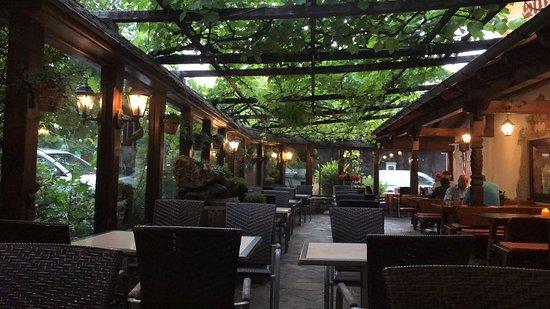 Ebbs, Austria: ristorante zona all'aperto